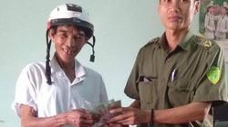 Quảng Trị: Phó Công an xã trả tiền cho người đánh rơi