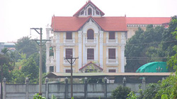 UBND Huyện Thạch Thất nói gì về biệt thự xây dựng không phép trên 2000m2 đất công