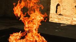 """Bí ẩn ngọn lửa """"địa ngục"""" cháy 4000 năm không tắt"""
