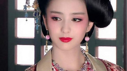 """Ngây người vì dung mạo của """"tiên nữ"""" tộc người đẹp nhất Trung Á"""