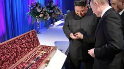Thượng đỉnh Nga - Triều: Ông Putin và ông Kim tặng nhau bảo kiếm và đồng xu