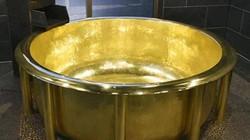 """Lóa mắt với bồn tắm bằng vàng giá """"khủng""""... hơn 166 tỷ đồng"""