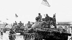 Người lính và cây đàn trên tháp pháo xe tăng đi giải phóng Sài Gòn