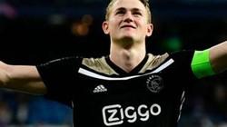 Dẫn dắt đồng đội hạ Tottenham, thủ quân Ajax lập siêu kỷ lục