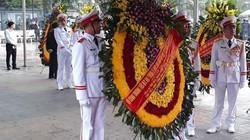 Tổng Bí thư, Chủ tịch nước gửi vòng hoa viếng Đại tướng Lê Đức Anh