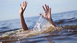 Rủ nhau ra sông tắm, 4 học sinh chết đuối thương tâm