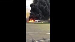 Video: Máy bay Sukhoi Nga bốc cháy dữ dội, 41 người thiệt mạng