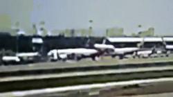 Video: Khoảnh khắc máy bay Sukhoi Nga nảy liên tiếp như quả bóng, bốc cháy dữ dội