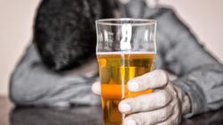 Vợ có quyền đưa chồng đi cai nghiện rượu?