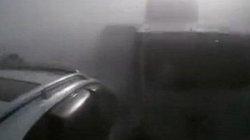 Camera hành trình ghi lại khoảnh khắc 10 ô tô đâm liên hoàn trên cao tốc dày đặc sương mù