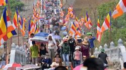 Hàng vạn người đổ về dự đại lễ Vesak 2019: Chùa Tam Chúc đông nghịt