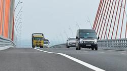 Cầu Bạch Đằng nghìn tỷ lún võng: Ngày đầu sửa gặp khó vì mưa xối xả
