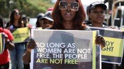 Nigeria: Phụ nữ tố bị cảnh sát bắt vô cớ về đêm, ép quan hệ mới trả tự do