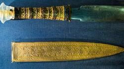 Vũ khí ngoài hành tinh 3.000 năm không gỉ sét trong lăng mộ hoàng đế Ai Cập