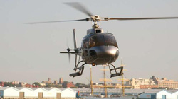 Kinh hoàng khoảnh khắc trực thăng mất lái rơi thẳng xuống sông