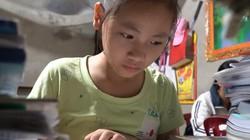 Ước mơ của cô bé đi gom rác kiếm tiền học đỡ mẹ
