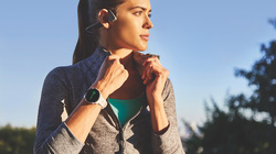 Garmin công bố bộ đôi smartwatch mới với pin cả tuần, chống nước và Việt hóa