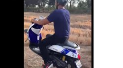 """Video: Tháo bánh trước, bốc đầu trên ruộng và cái kết """"đắng"""""""