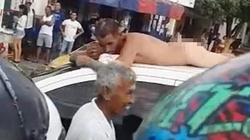 Bắt quả tang ngoại tình tại giường, vợ bắt chồng khỏa thân diễu phố