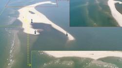 """""""Đảo khủng long"""" ở biển Cửa Đại nhìn từ Flycam: Đang hình thành các vịnh kín"""