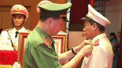 Chủ tịch nước tặng phần thưởng cao quý cho Tướng Lê Quý Vương