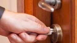 Án mạng từ việc không thay khóa cửa khi nhận phòng trọ