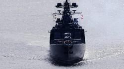 Nóng quân sự: Tàu Mỹ bất ngờ chặn đường tàu chống ngầm của Nga