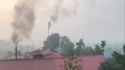 Clip: Xưởng ép gỗ công nghiệp gây ô nhiễm khói bụi tràn làng quê Hà Nội