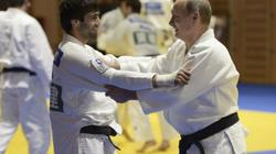 """Ông Putin bất ngờ thách đấu """"đối thủ"""" đặc biệt trong họp báo"""