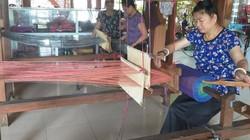 Phụ nữ Thái ở Sơn La gìn giữ nghề dệt thổ cẩm