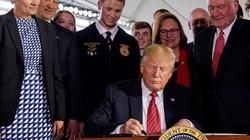 """Tổng thống Trump ký sắc lệnh """"cởi trói"""" cho các sản phẩm công nghệ sinh học"""