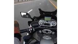 Blogger nổi tiếng lái xe bằng chân và cái kết đầy thương tâm