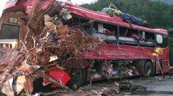 Xe tải đâm xe giường nằm ở Hòa Bình, 3 người chết
