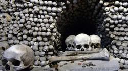 Khám phá nhà thờ được trang trí bằng 40.000 bộ xương người
