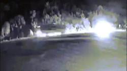 """Clip giây phút xe tải và xe khách đâm nhau nổ """"như bom"""" trên quốc lộ"""