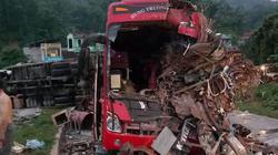 Tai nạn thảm khốc ở Hoà Bình: Xe tải xuống dốc vào cua lấn làn tốc độ cao