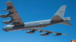 """Mỹ lần đầu trang bị tên lửa siêu thanh trên """"pháo đài bay"""" B-52"""