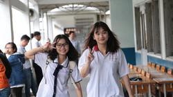 Thí sinh rạng rỡ trong buổi làm thủ tục kỳ thi THPT Quốc gia