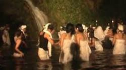 Hòn đảo mỗi năm 7 lần vợ chồng được thoải mái với người lạ