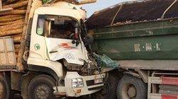 Xe tải đâm nhau ở cầu Thanh Trì, 2 người chết trong cabin
