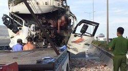 Danh tính 2 người chết trong cabin xe tải sau va chạm ở Thanh Trì