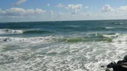 Giữa đại dương, tìm thấy túi nước ngọt đủ lấp đầy 1 tỉ bể bơi Olympic