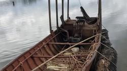 Lật phà chở ô tô chứa gỗ, một người tử vong