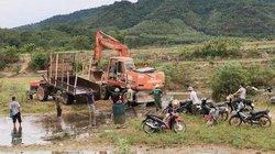Nghệ An:  Hạn khốc liệt, đổ xô ra suối đào giếng tìm nước sinh hoạt