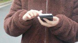 Xử phạt 1 phụ nữ vì nhặt được điện thoại nhưng không báo