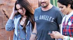 Megan Fox tung tăng bụng bầu cùng chồng đi chơi