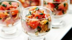Lạ với salad cá hồi và cá hồi cuộn rau nướng