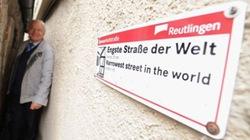 Con phố hẹp nhất thế giới chỉ rộng... 31cm
