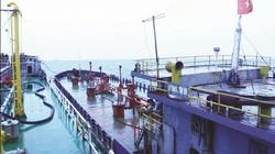 Buôn lậu 1.350 tấn xăng, 10 người bị bắt giữ