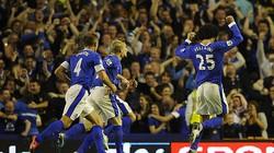 """M.U bất ngờ """"sẩy chân"""" trước Everton"""